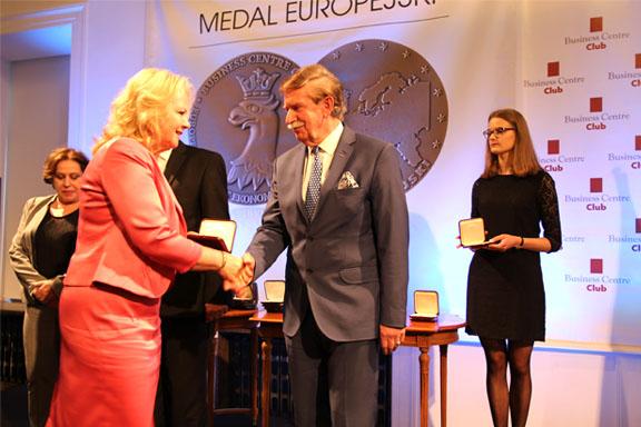 Dyrektor Małgorzata Zaława-Dąbrowska odbiera Medal Europejski 2016